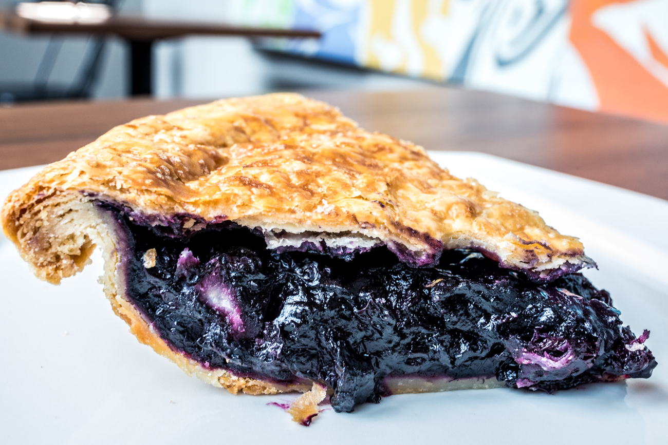 Blueberry Pie: blueberries, lemon zest, and bitters / Image: Catherine Viox // Published: 9.16.20