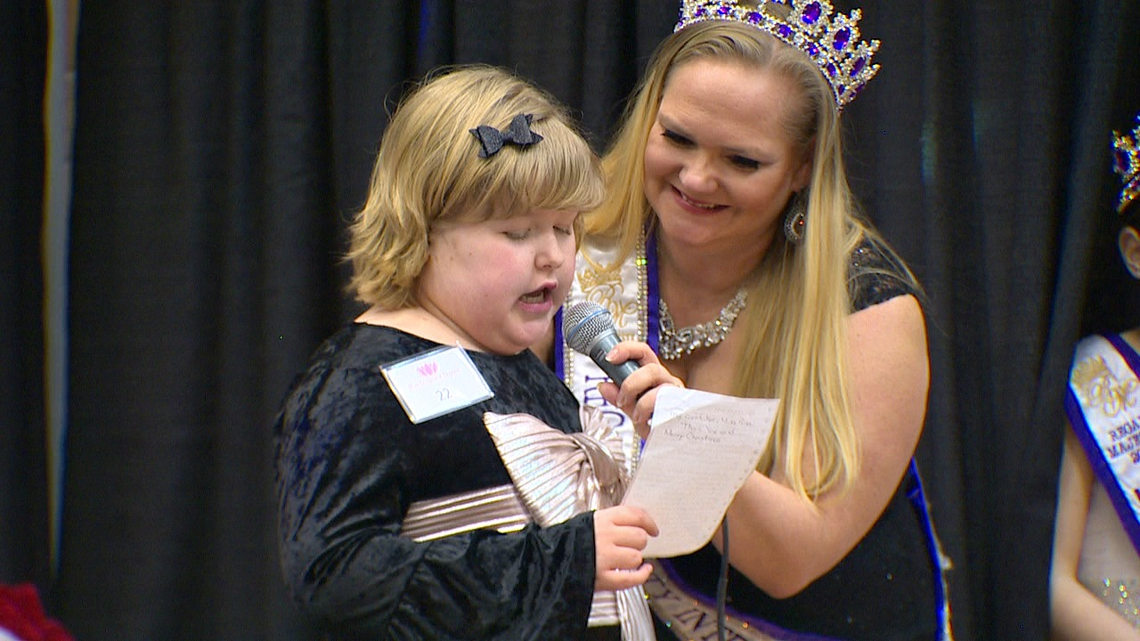 Exceptional Pageant Leslie practices speech. (Photo: KOMO News)<p></p>