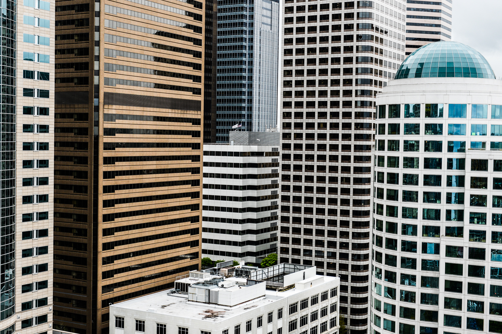 Don't forget to look up next time you're strolling through downtown - you might just see something you never noticed before! Get those necks craned and ready, here's a quantitative ranking of Seattle's tallest buildings. (Photo: Chona Kasinger / Seattle Refined)